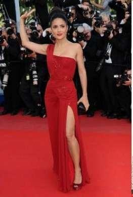 Salma Hayek con abito Gucci a Cannes