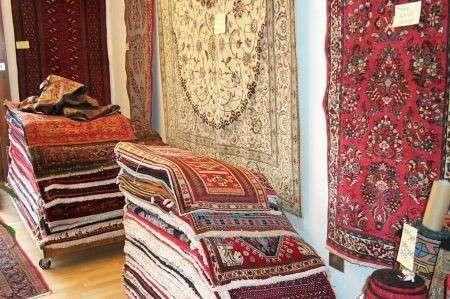 Arredamento tappeti persiani pourfemme for Arredamento tappeti