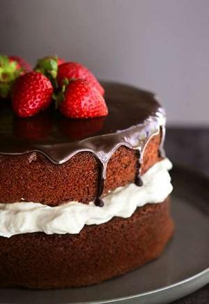 torta cioccolato panna fragole