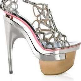 Scarpe Versace, sandali in maglia metallica