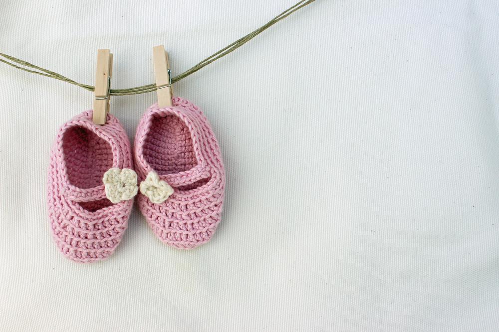 finest selection 4ead9 0e070 Schemi maglia: come fare delle scarpine da neonato | Pourfemme