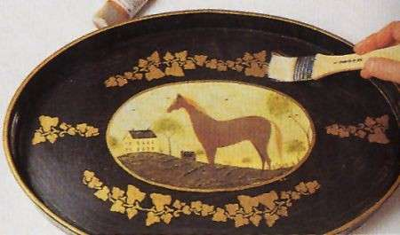Decoupage: un vassoio equestre per i tuoi liquori