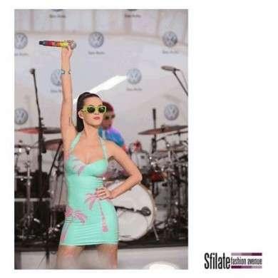 Prada: gli occhiali Postcard scelti anche da Katy Perry