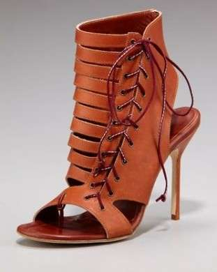 Scarpe Manolo Blahnik, Cutout Lace-Up Bootie