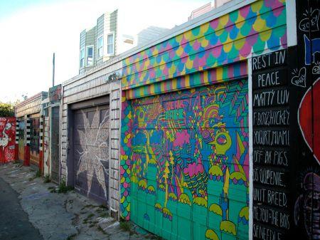 Creare un fantasioso murales sulla porta del garage