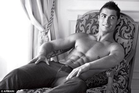 Cristiano Ronaldo ancora testimonial di Armani