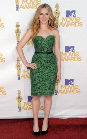 Dolce & Gabbana: il total look di Scarlett Johansson