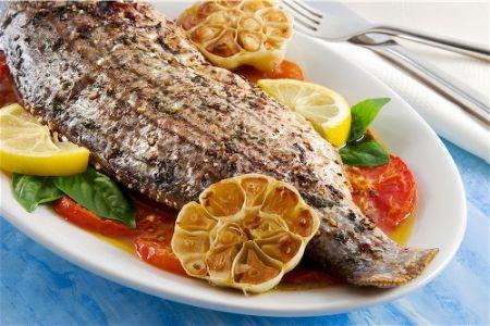 Ricette dietetiche di pesce: spigola all'acqua pazza