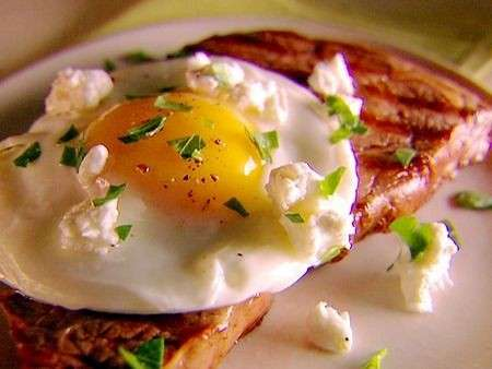 Uova e bistecca