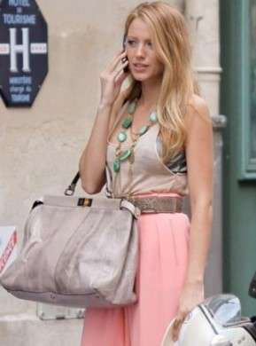Blake Lively: per Gossip Girl la Peek-a-boo in pitone