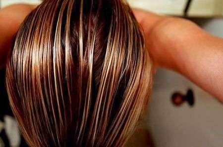 Come curare i capelli grassi?
