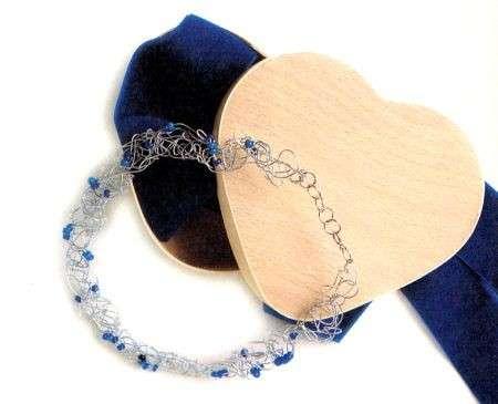 Una graziosa collana di perline fai da te