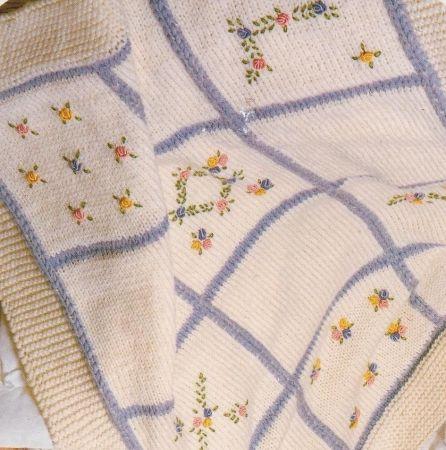 Schemi maglia: copertina in lana per neonati