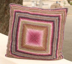 Lo schema maglia per realizzare un bel cuscino per il divano
