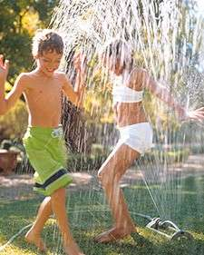 Giochi da fare all'aperto con l'acqua
