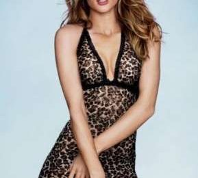 Victoria's Secret: Rosie Huntington-Whiteley per il photoshoot