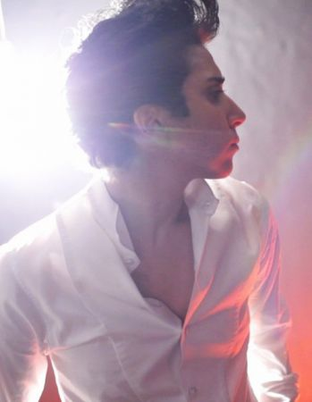 Lady Gaga travestita da uomo per Vogue Hommes Japan