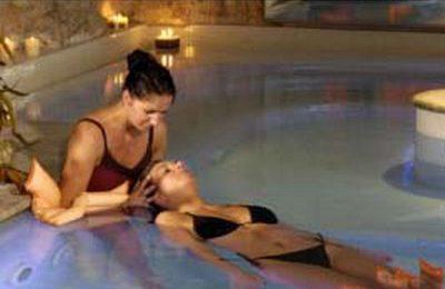 Massaggio con l'acqua per rigenerare il corpo