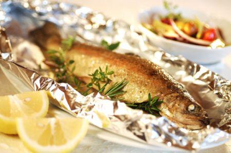 Ricette light estive: gamberi e pesce al cartoccio