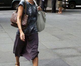 Sarah Jessica Parker cede al fascino della Happy bag di Lanvin
