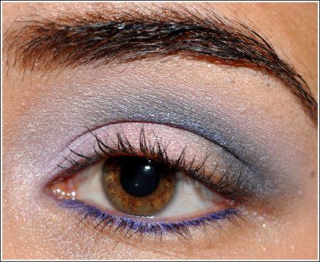 MAC Cosmetici: trucco occhi azzurro e viola