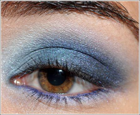 Trucco occhi castani: blu per dare luce