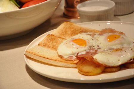 A colazione è importante fare il pieno di proteine