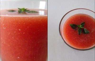 Ricette estive light: minestra fredda di melone e anguria