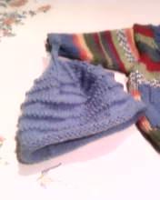 Schemi maglia: il berretto per un neonato