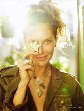 Erin Wasson racconta la sua vita a Elle con gli scatti più belli
