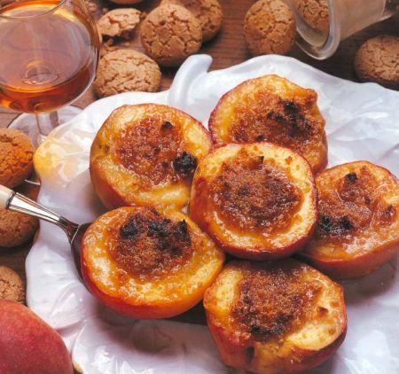Pesche, il frutto perfetto per chi è a dieta