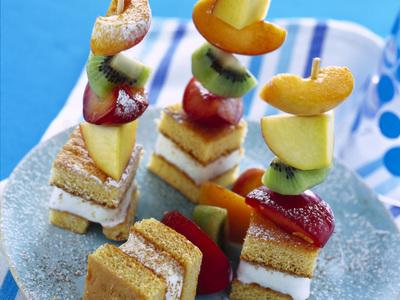 spiedini frutta torta
