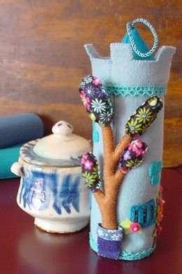 Come si decora una tegola con i pannolenci