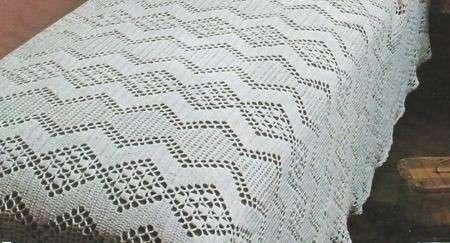 Schemi uncinetto: un romantico copriletto in cotone