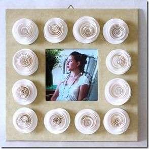 Decoupage: realizziamo una cornice in carta con le rose