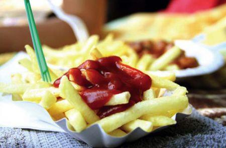 Mangiare troppo influenza la capacità futura di dimagrire