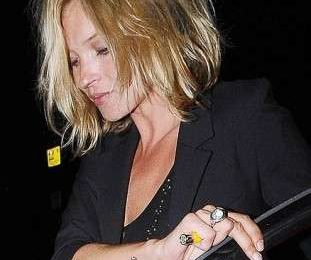 Capelli: out of bed in stile Kate Moss