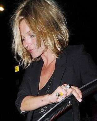 Kate Moss caschetto