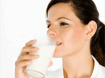 Perdere peso, il latte favorisce il dimagrimento