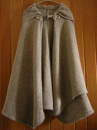 Schemi maglia: la mantella per l'inverno