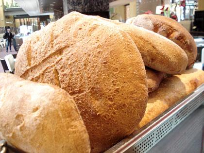 Carboidrati, quanto pane consumare al giorno?