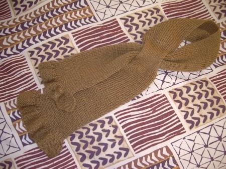 Schemi maglia: la sciarpa marrone