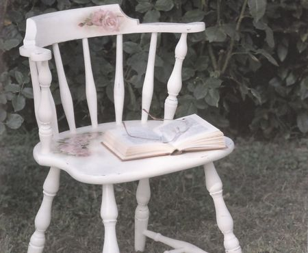 Decoupage: come decorare una sedia in legno con rose