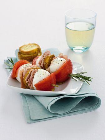 Ricette antipasti: spiedini di prosciutto e mozzarella