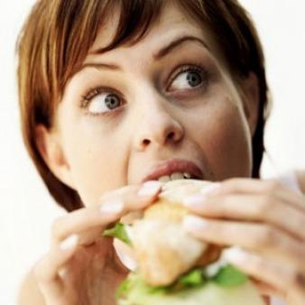 Disturbi alimentari, combattere lo stress con la dieta