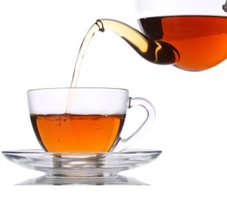 Il tè in bottiglia non è sano come quello naturale