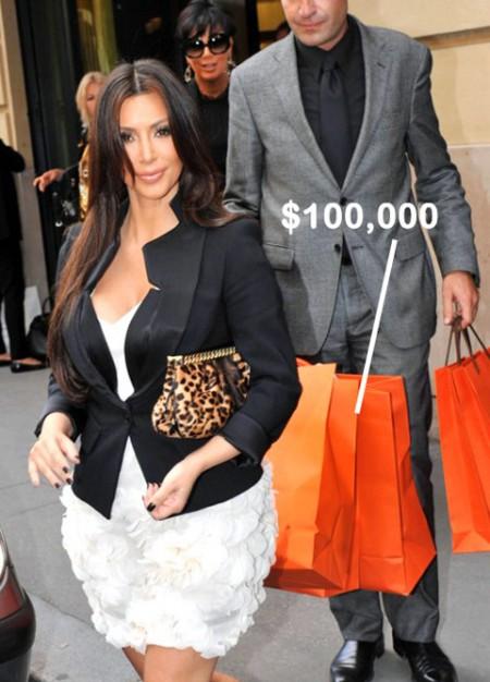 Borse Hermés: Kim Kardashian spende 100 mila dollari a Parigi
