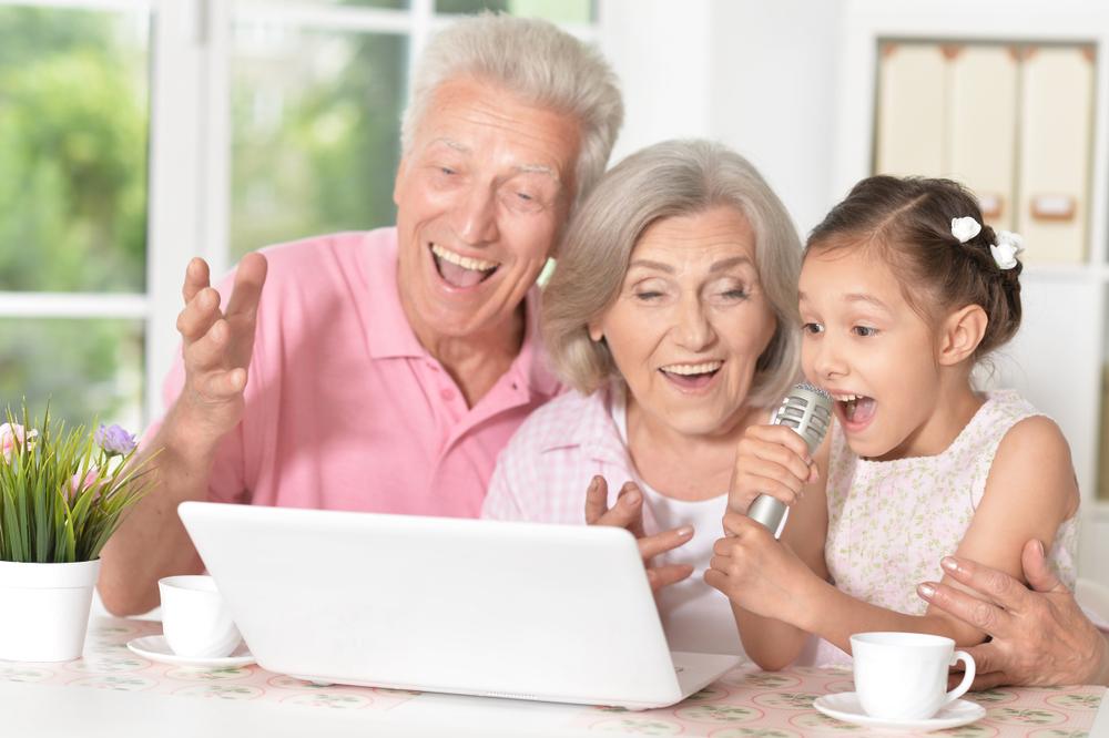 Festa dei nonni: canzoni per loro