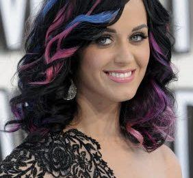 Katy Perry lancerà una linea di scarpe?