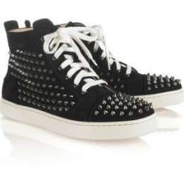 Scarpe Christian Louboutin, le sneakers con le borchie